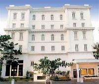 The Avenue Center Hotel