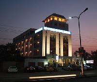 Raghu Mahal Hotel