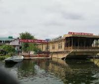 Queen of Heaven Houseboat