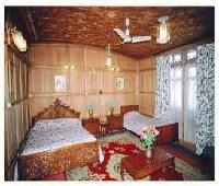 Amina Houseboats