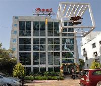 La Villa International ( Formerly: Hotel Om Sai International )