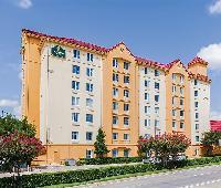 La Quinta Inn and Suites Dallas North Central