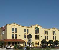 La Quinta Inn & Suites St Petersburg Northeast