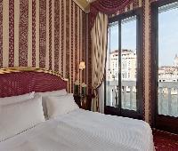Palazzo SantAngelo sul Canal Grande - A SINA Hotel