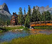Rundle Cliffs Lodge