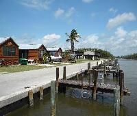 Glades Haven Cozy Cabins