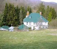 Honey Hill Inn & Cabins at Engadine