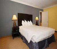 Solaire Inn & Suites
