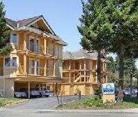 Days Inn and Suites Santa Cruz