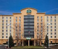 La Quinta Inn & Suites Cincinnati Sharonville