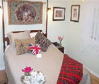 Little English Guesthouse Bed and Breakfast