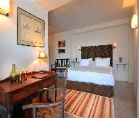 Hotel V...