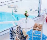 Kouros Home Hotel