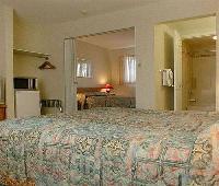 Chinook & Oasis Motel