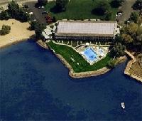 Kelowna Lakeshore Inn