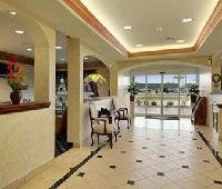 Days Inn & Suites Cleburne