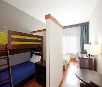 Holiday Inn Express Hotel Saint - Hyacinthe