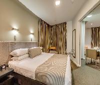 Hotel Collins