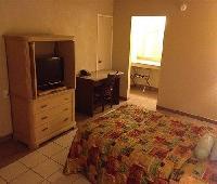 Su Casa Inn & Suites