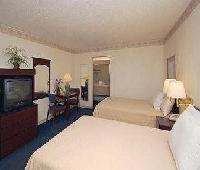 Inn and Suites Palestine
