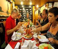 Alova Gold Cruises Halong