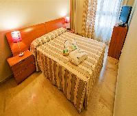 Aparthotel Habitat Center Los Girasoles