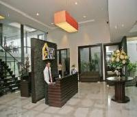RUMAH NENEK Hotel