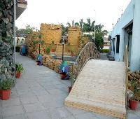Leo Resort